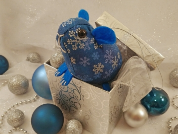 Blue Snowflakes 3 Guinea Pig Ornament
