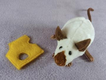 Himalayan Mouse Plushie