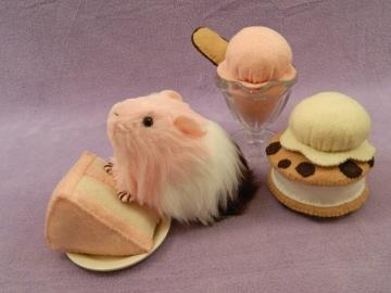"Little Neapolitan ""Poli"" Guinea Pig Plushie"