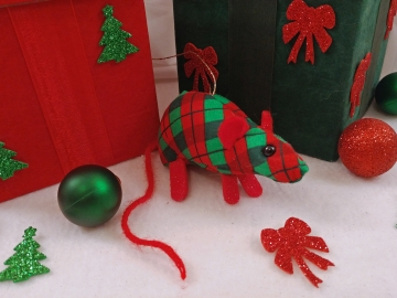 Red Plaid Mouse/Rat Ornament (Cotton)
