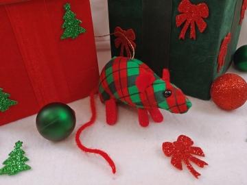 Red Plaid Mouse/Rat Ornament (Cotton)